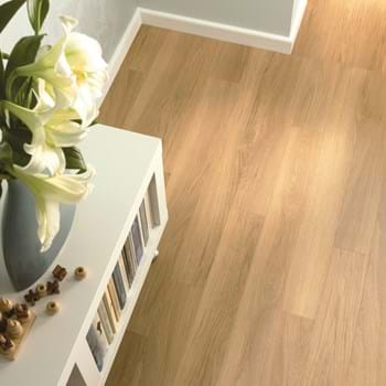 Amtico Spacia LVT in Honey Oak (SS5W2504)
